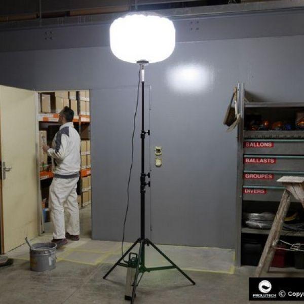 eclairage des travaux d 39 artisans par ballon lumineux airstar. Black Bedroom Furniture Sets. Home Design Ideas