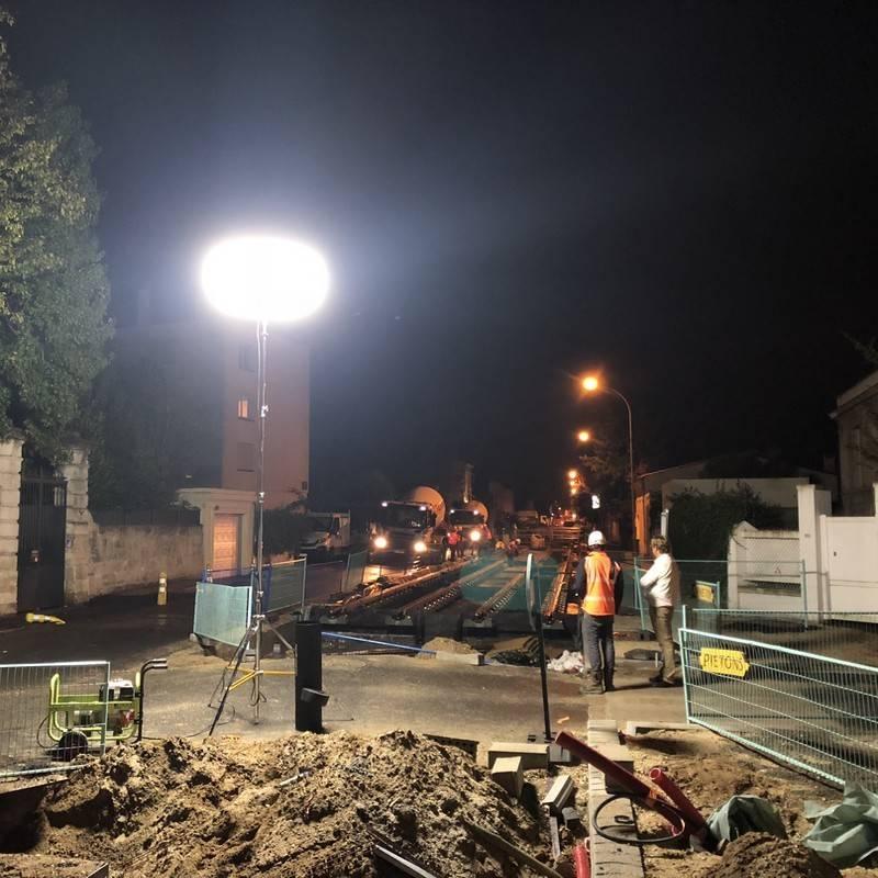 Eclairage de travaux sur voie ferrée avec le Sirocco 75Klm Airstar.