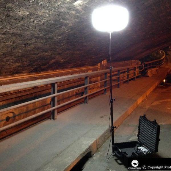 Eclairage travaux souterrains pour travaux tunnel avec le ballon éclairant Airstar LED Secours tbt 48v, distribué en France par Prolutech