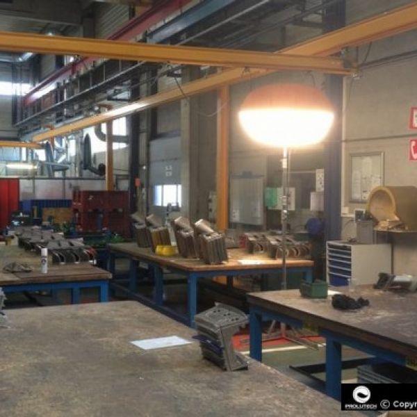 Eclairage usine de production industrielle proposé par Prolutech et son ballon lumineux Airstar Sirocco
