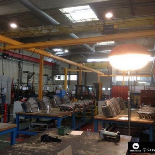 Eclairage de maintenance industriel pour uen usine de production proposé par Prolutech et ses ballons éclairants Airstar