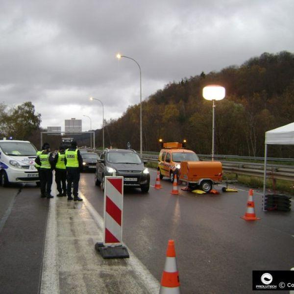Ballon éclairant utilisé lors des controles routiers de la police nationale