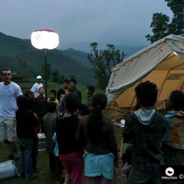 Prolutech propose aux ONG un éclairage pour les hopitaux de campagnes